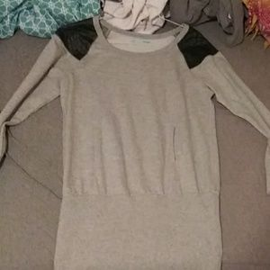 Grey sweater with leather